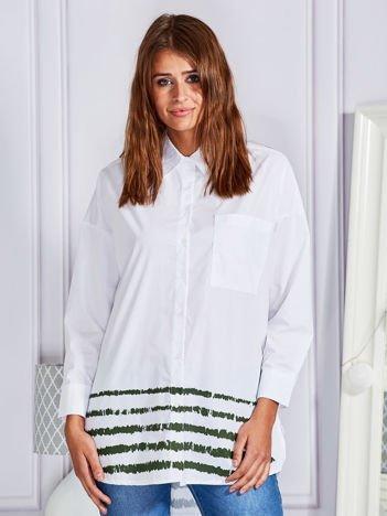 Gładka koszula ze wzorem na dole biała