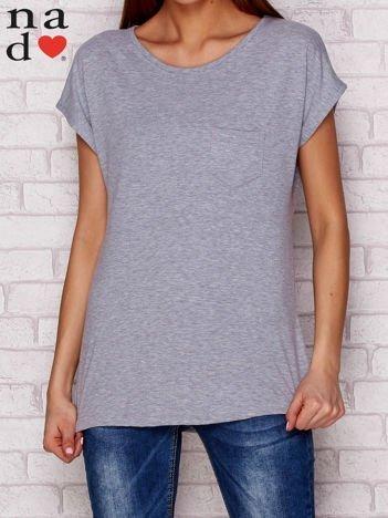 Gładki t-shirt z kieszonką szary
