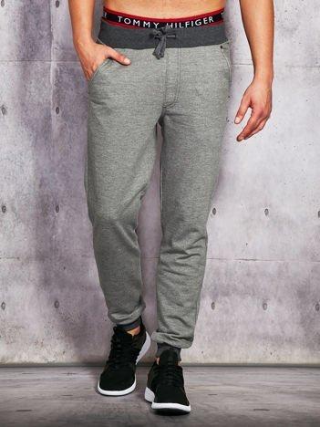 Grafitowe spodnie dresowe męskie z ciemniejszymi ściągaczami