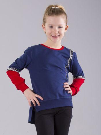 Granatowa bluza dziewczęca z aplikacją i napisami