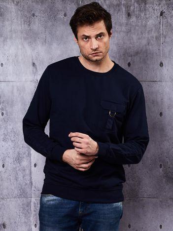 Granatowa bluza męska z kieszenią