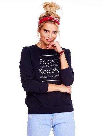 Granatowa bluza z kobiecym nadrukiem