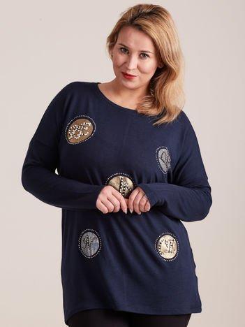 Granatowa bluzka z aplikacją i perełkami PLUS SIZE