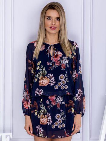 Granatowa kwiatowa sukienka z wiązaniem przy dekolcie