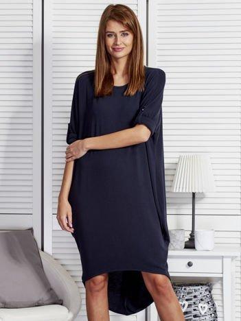 Granatowa luźna sukienka z podwijanymi rękawami