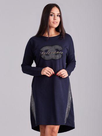 Granatowa sukienka dresowa z dżetami