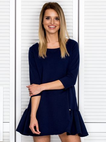 Granatowa sukienka dresowa z falbankami