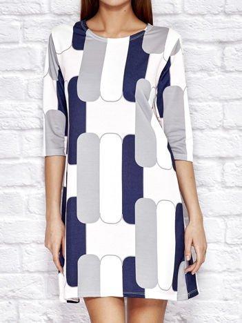 Granatowa sukienka dzienna w graficzne wzory