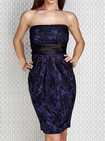 Granatowa sukienka z koronką i wiązaniem