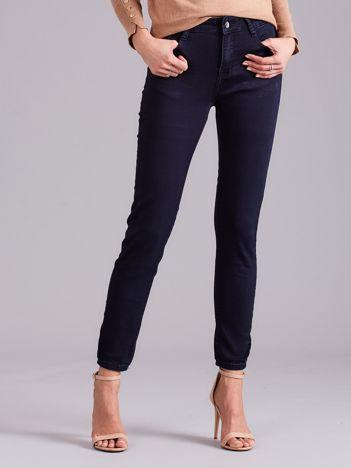 Granatowe spodnie damskie slim fit