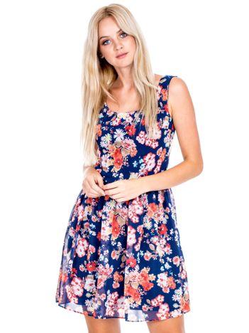 Granatowo-czerwona sukienka w kolorowe kwiaty