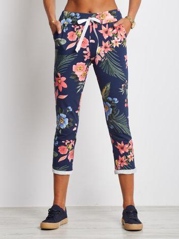 Granatowo-koralowe spodnie Roses