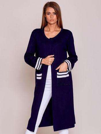 Granatowy długi sweter damski