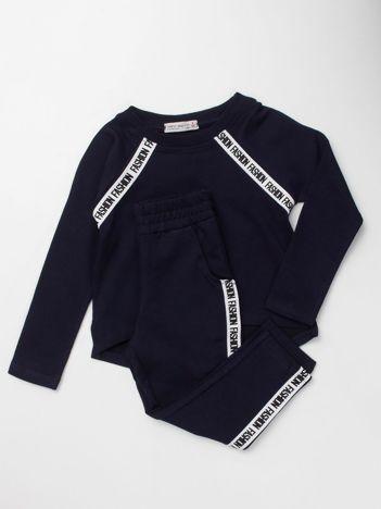 Granatowy komplet dresowy dla dziewczynki bluza i spodnie