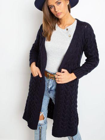Granatowy sweter Bossing