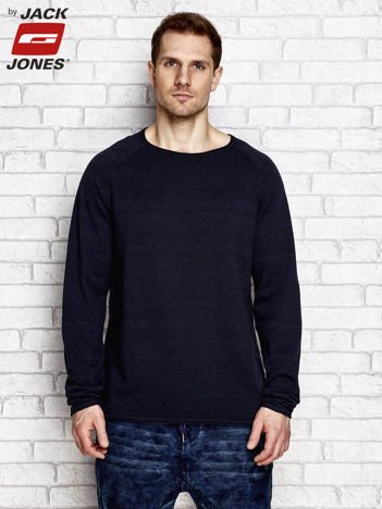 Granatowy sweter męski