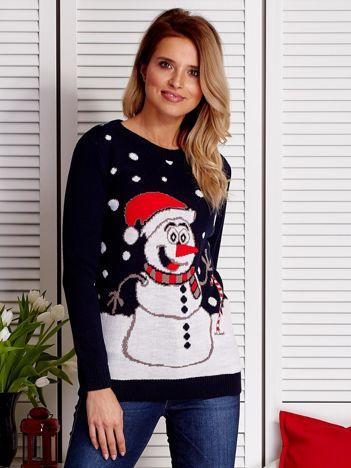 Granatowy sweter świąteczny z bałwankiem