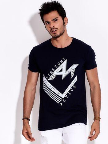 Granatowy t-shirt męski z nadrukiem sportowym