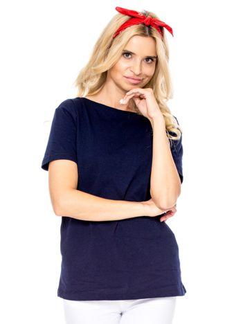 Granatowy t-shirt z głębokim dekoltem z tyłu