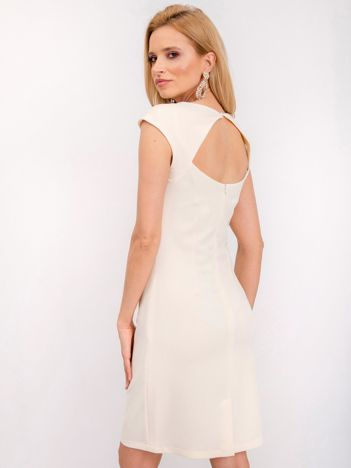 Jasnobeżowa sukienka Silvia
