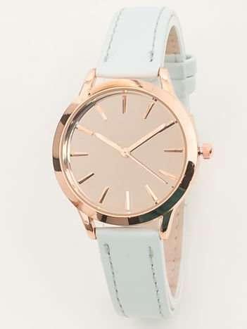 Jasnobłękiny zegarek damski z lustrzaną tarczą