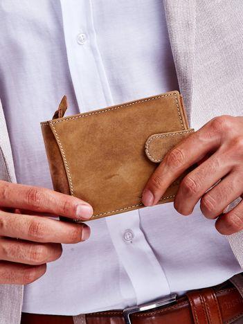 Jasnobrązowy skórzany portfel dla mężczyzny