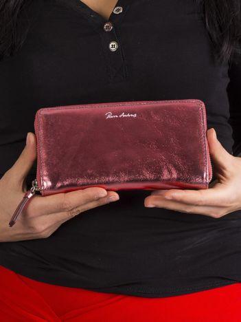Jasnoczerwony metaliczny portfel na suwak ze skóry