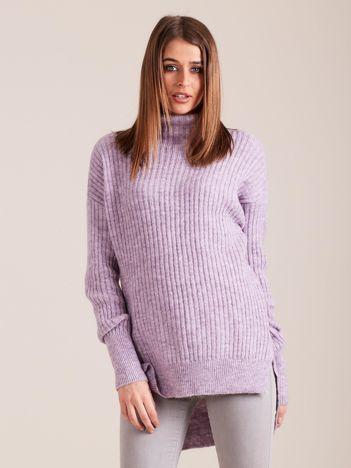 Jasnofioletowy sweter golf w prążek