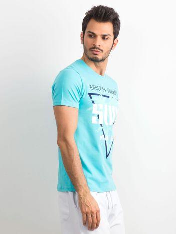 Jasnoniebieska bawełniana koszulka męska z nadrukiem