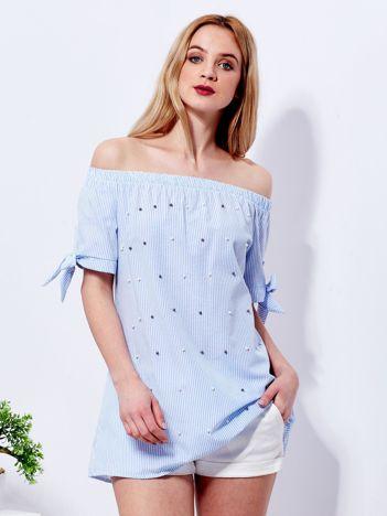 Jasnoniebieska bluzka hiszpanka w paski z perełkami