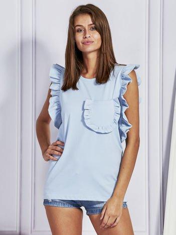 Jasnoniebieska bluzka z ozdobnymi falbankami