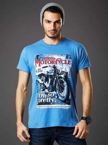 Jasnoniebieski t-shirt męski z nadrukiem motocykla