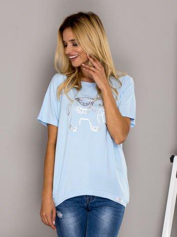Jasnoniebieski t-shirt ze słoniem