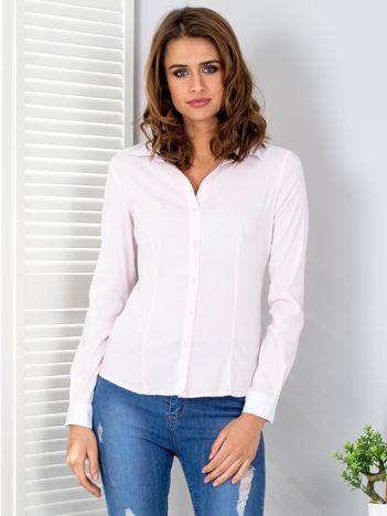 Jasnoróżowa koszula w paski z kontrastowymi mankietami