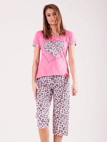 Jasnoróżowa piżama w cętki