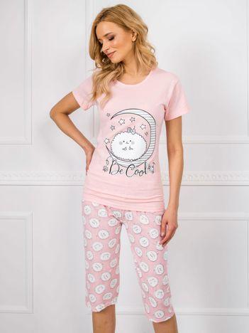Jasnoróżowa piżama z krótkim rękawem
