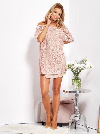 Jasnoróżowa sukienka hiszpanka mini ze wzorem paisley