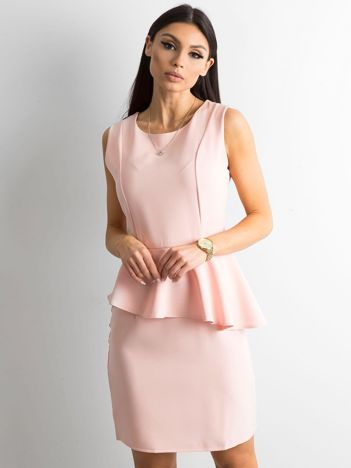 47c078a394 Jasnoróżowa sukienka z baskinką