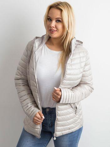 Jasnoszara pikowana kurtka plus size