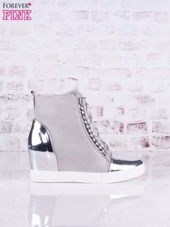 Jasnoszare zamszowe sneakersy Louisa z lustrzanymi wstawkami i srebrnymi sznurówkami