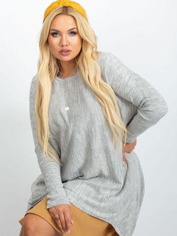 Jasnoszary sweter plus size Ester