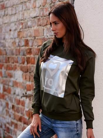 Khaki bluza z błyszczącym nadrukiem