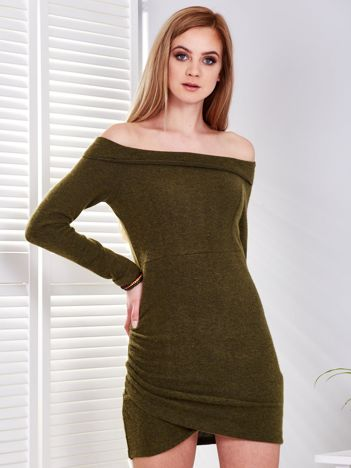 Khaki dopasowana sukienka odsłaniająca ramiona