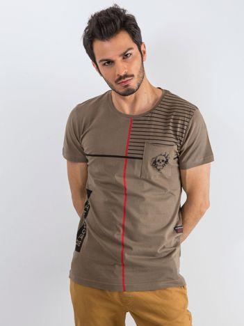 Khaki męski t-shirt w paski z napisem
