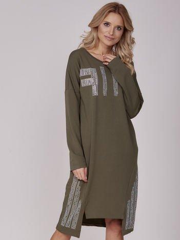 Khaki sukienka z perełkami i dżetami