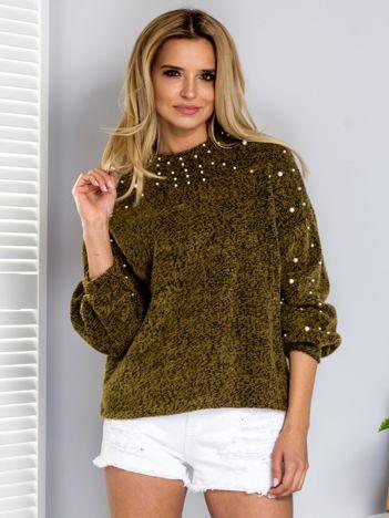 Khaki sweter z perełkami