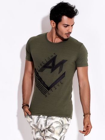 Khaki t-shirt męski z nadrukiem sportowym