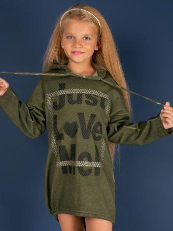 Khaki tunika dla dziewczynki z kapturem i napisem