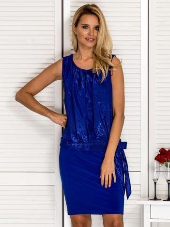Kobaltowa sukienka wieczorowa z błyszczącą górą