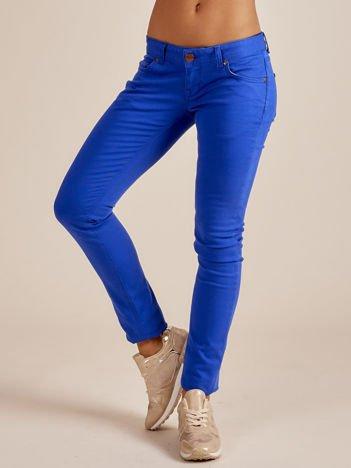 Kobaltowe spodnie o kroju regular